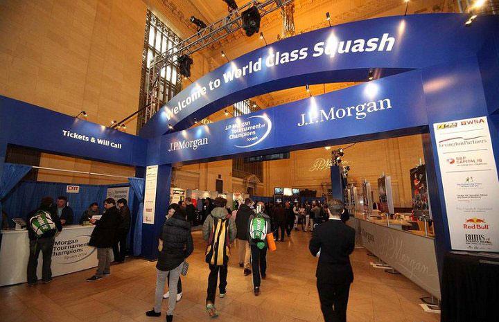L'ingresso al campo in vetro nella Central Station di New York
