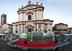 Il Glass Arena in Piazza Duomo a Brescia
