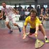 """Anthony Ricketts, vincitore delle """"Legends"""", in azione in semifinale contro Peter Nicol"""